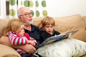 3287031-grandpa-reading-book-to-his-grandchildren