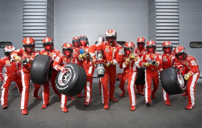 ferrari-f1-pit-crew-1024x647